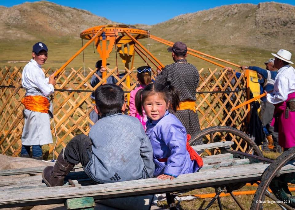Learning how to build Mongolia Ger